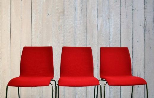 Deze afbeelding heeft een leeg alt-atribuut; de bestandsnaam is pic-stoelen-1.jpg
